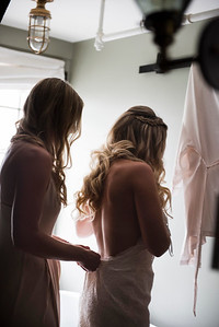 Montreal Wedding Photographer | Auberge Saint Antoine | Quebec City | Lindsay Muciy Photography and Video