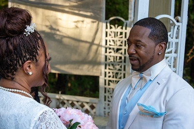 Mr and Mrs Lewis-117