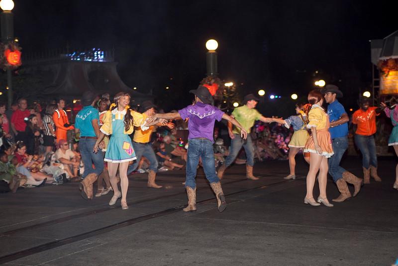 Disney_131018_2306