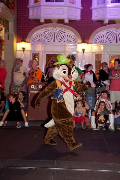 Disney_131017_2100