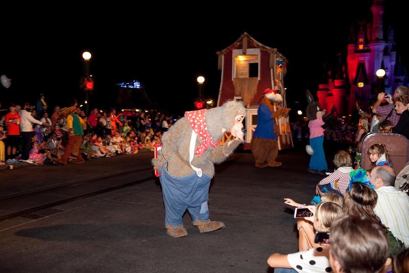 Disney_131018_2315