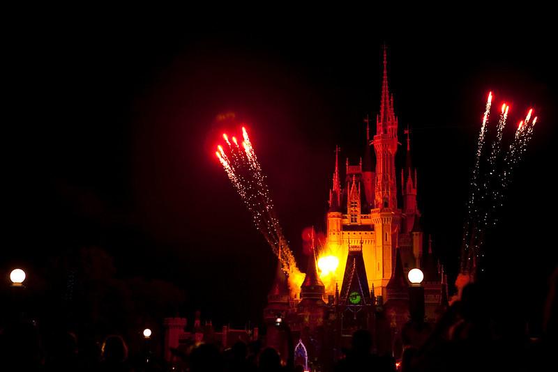 Disney_131018_2231