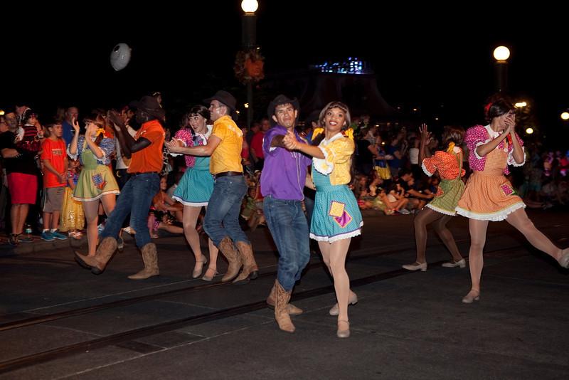 Disney_131018_2308