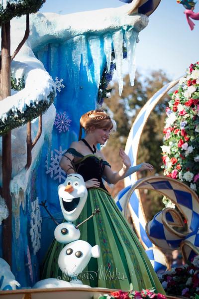 Disney_141218_4034