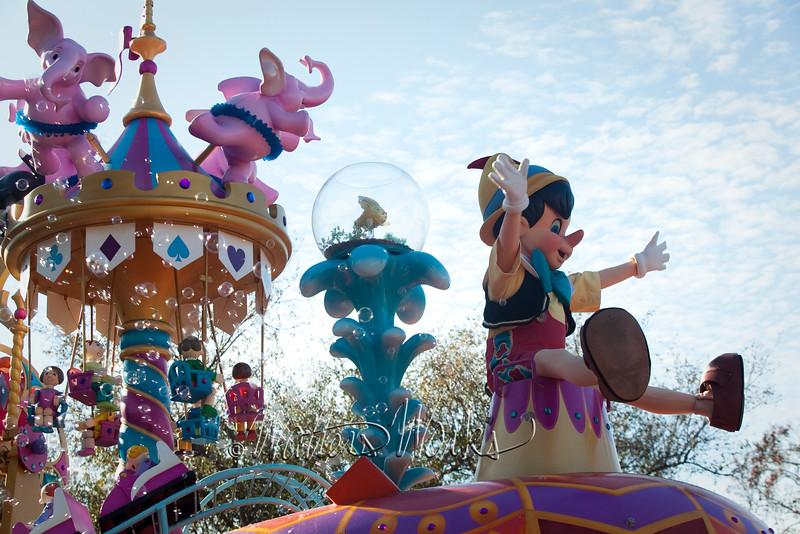Disney_141218_4081