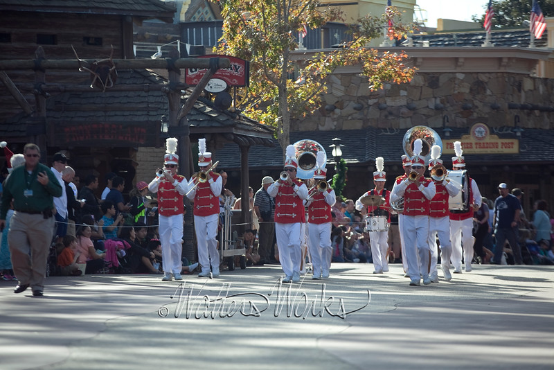 Disney_141218_4022