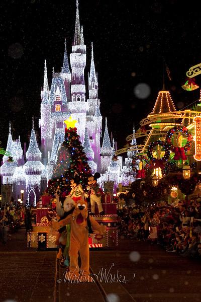 Disney_141216_1449