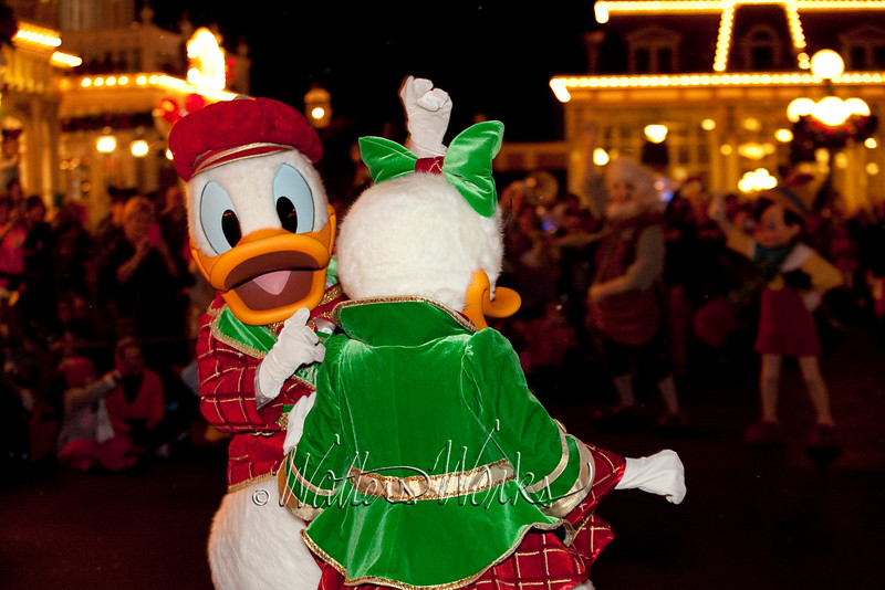 Disney_141216_1486