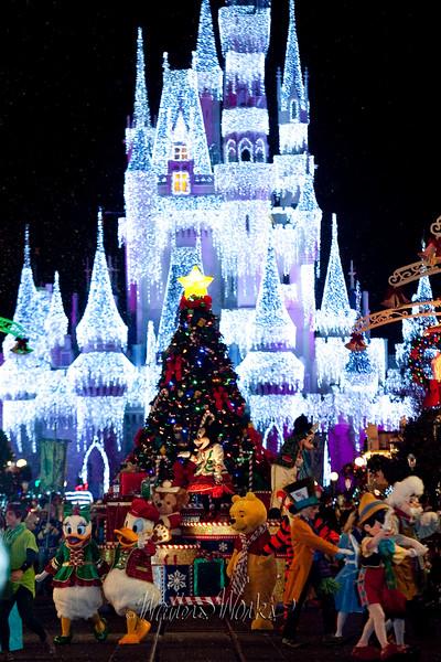 Disney_141216_1439