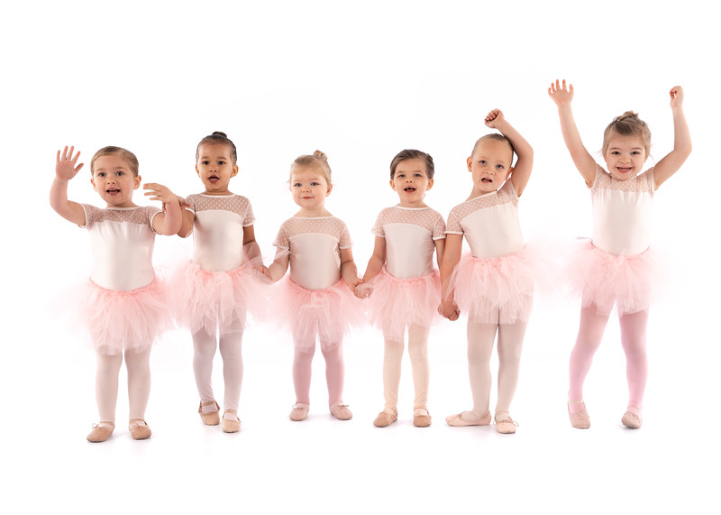_Toddlers_and_Tutus_Putting_on_My_Tutu-3