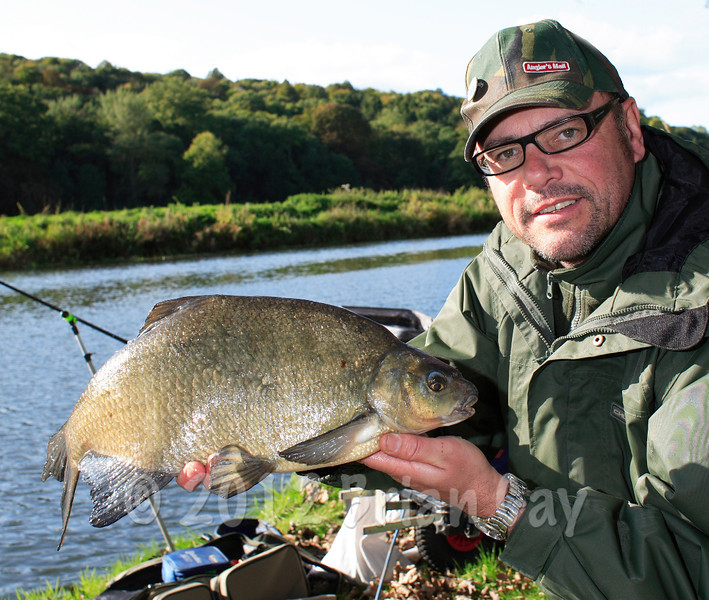 A big bream from the Dorset Stour at Blandford Forum's Crown Meadows. © Brian Gay 2008