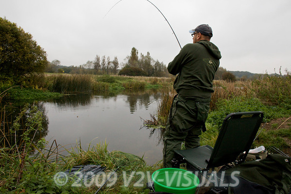 Playing 5 lb-plus chub at Longham, Dorset Stour, 161009. © 2009 Brian Gay.