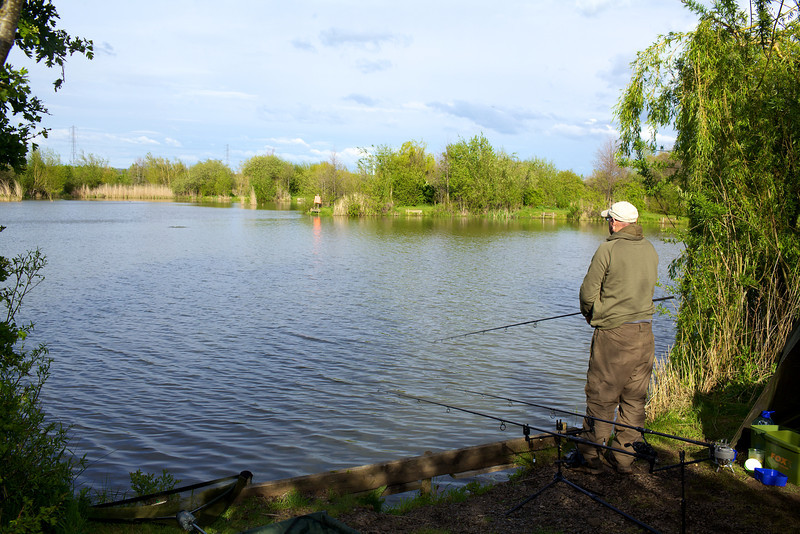 The Shimano rod cast the 35 gr method feeder like a dream40 metres was no problem and later in the day 50 metres tonight to the island was easily achieved.