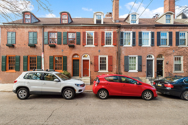 Julie Russell Coldwell Banker 630 S American St Phila-online-01