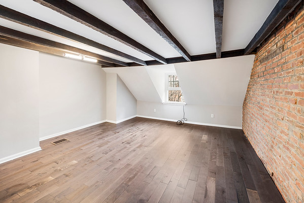 Julie Russell Coldwell Banker 630 S American St Phila-online-21