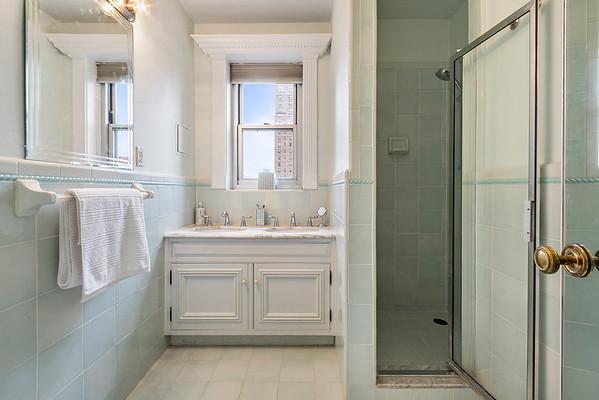 Alon Seltzer 220 W Rittenhouse Sq 5E-online-22
