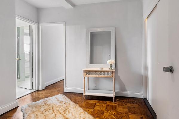 Alon Seltzer 220 W Rittenhouse Sq 5E-online-19