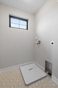 TJ Davis 548 Grove St Bridgeport PA-online-14