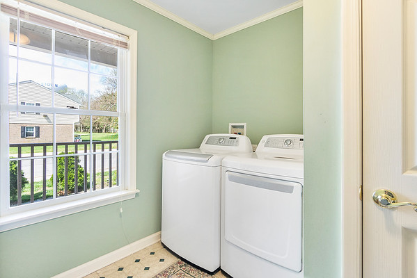 Angela DiCualco Redfin 411 N Catherine St Middletown DE-online-10