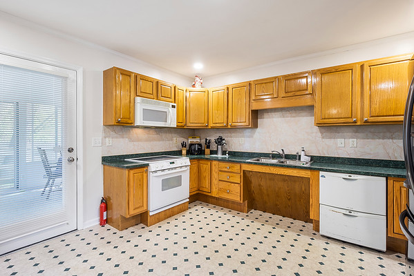 Angela DiCualco Redfin 411 N Catherine St Middletown DE-online-07