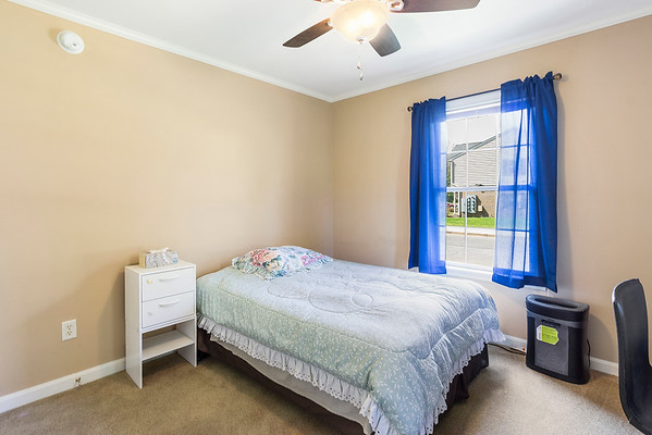 Angela DiCualco Redfin 411 N Catherine St Middletown DE-online-20