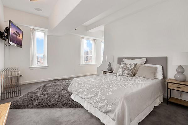 Tiffany Fassone 1425 Locust St Penthouse 29P-online-21