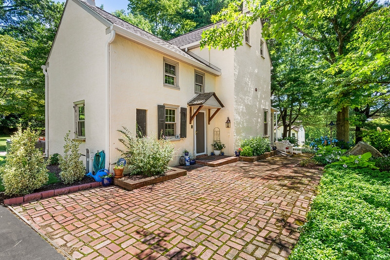 Holly Rehfuss Home Smart Realty 107 Clearview Ave Huntingdon Valley PA Exteriors-online-02
