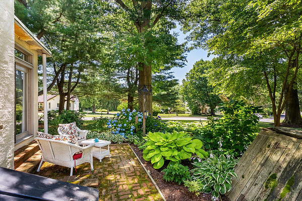 Holly Rehfuss Home Smart Realty 107 Clearview Ave Huntingdon Valley PA Exteriors-online-08