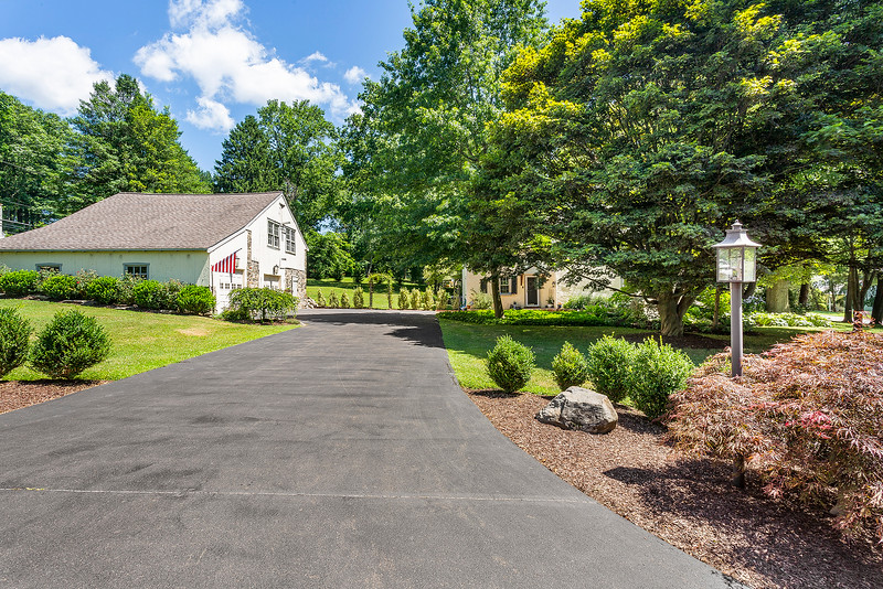 Holly Rehfuss Home Smart Realty 107 Clearview Ave Huntingdon Valley PA Exteriors-online-10