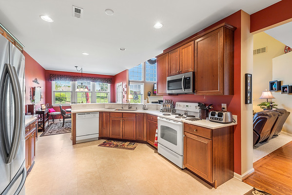 Heidi Heckler Redfin 228 Country Club Dr Telford PA-online-17