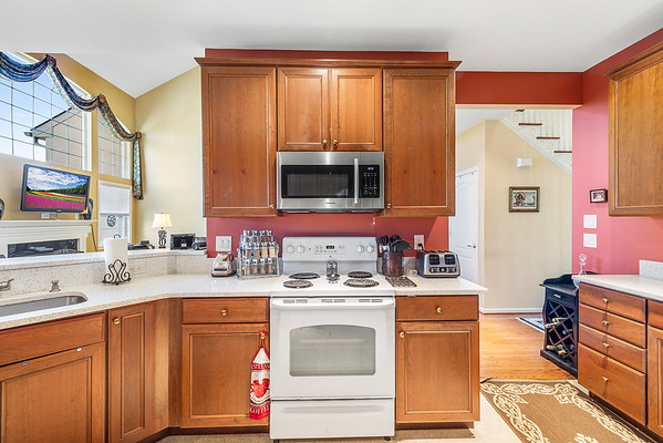 Heidi Heckler Redfin 228 Country Club Dr Telford PA-online-15