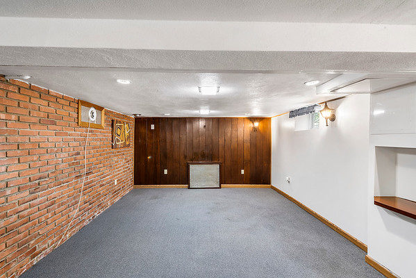 Redfin Lynn Magaro 246 New Rd Horsham PA 19044-online-15