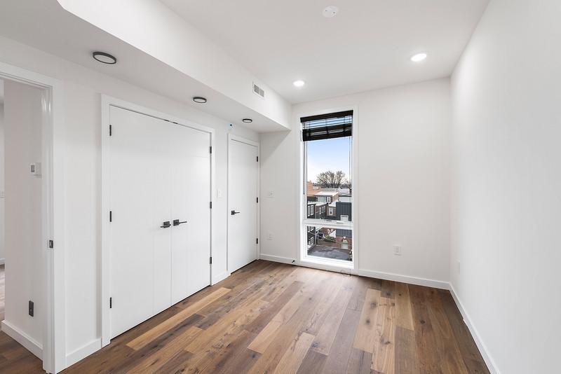 1 Yoav Shiiffman 6 units 438 Memphis Street-online-04