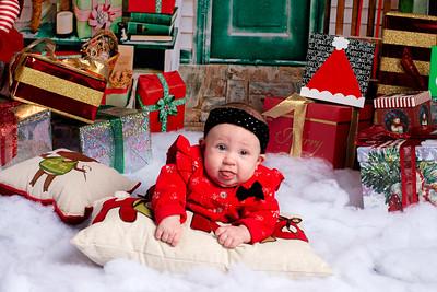 Maia_2019_Christmas_010-5073