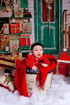 Maia_2019_Christmas_006-5069