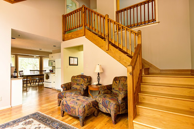 22_099f_Stairs_Creekside Cottage_JeniferMorrisPhotography