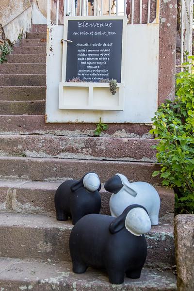 Au Prieuré Saint Jean, Rigols, Camarès