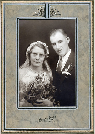 Harold and Gesina Dosman Wedding Portrait (with frame)-- Oct 29, 1935
