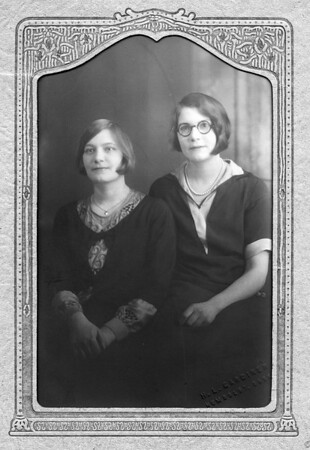 Gesina and Marie Vanderlinde just before Marie entered the convent in 1929. Gesina is approximately 18 years old. Mariie is approx. 16 years old.