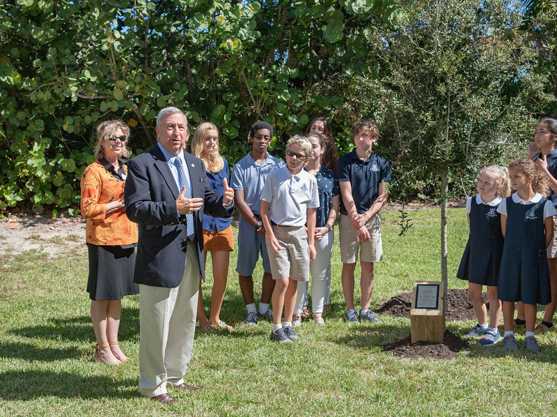 giles_gretchen_steds_tree-0807