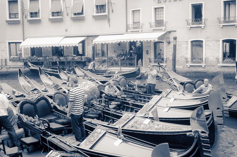 Venice bw-1229
