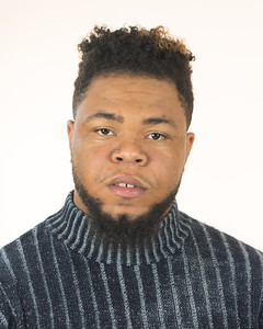 Darrion Headshot 2018-24