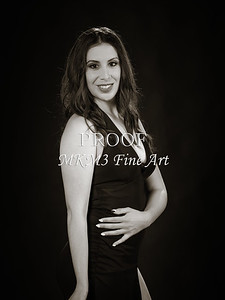 Rayann in Black and White 212.2042