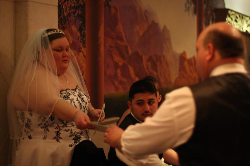 Doug&Alicia_04_Reception-Trancend_8GB_300x-3490