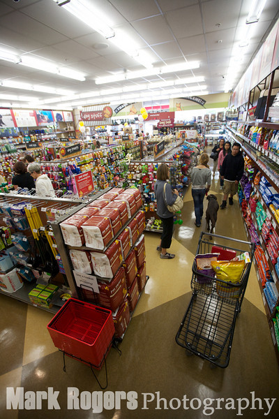 Burlingame Pet Food Express store on opening day