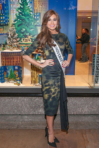 Miss Universe Gabriela Isler at Rockefeller Center