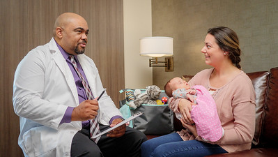 120117_14279_Hospital_Doctor Mom Baby