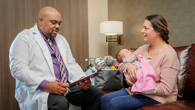 120117_14181_Hospital_Doctor Mom Baby