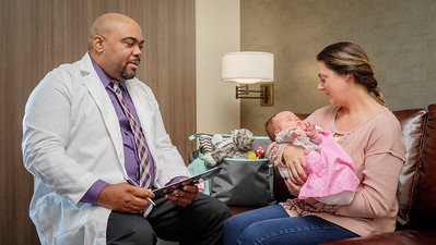 120117_14203_Hospital_Doctor Mom Baby