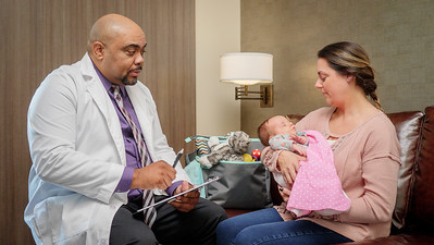 120117_14265_Hospital_Doctor Mom Baby